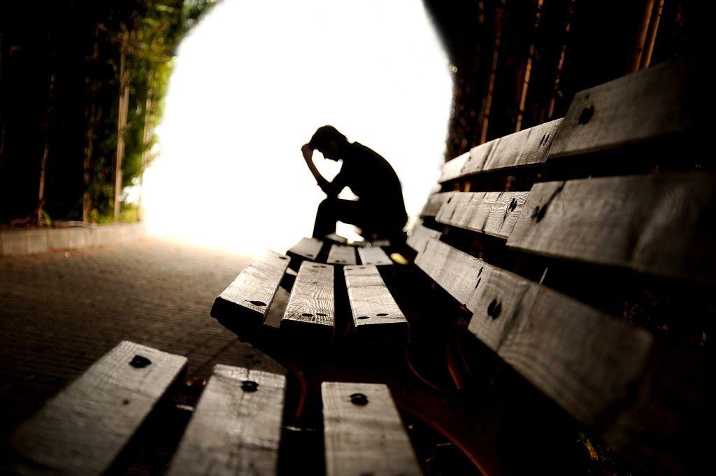 traurige männer bilder